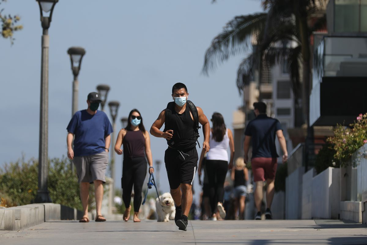 Manhattan Beach to issue fines for not wearing a face covering