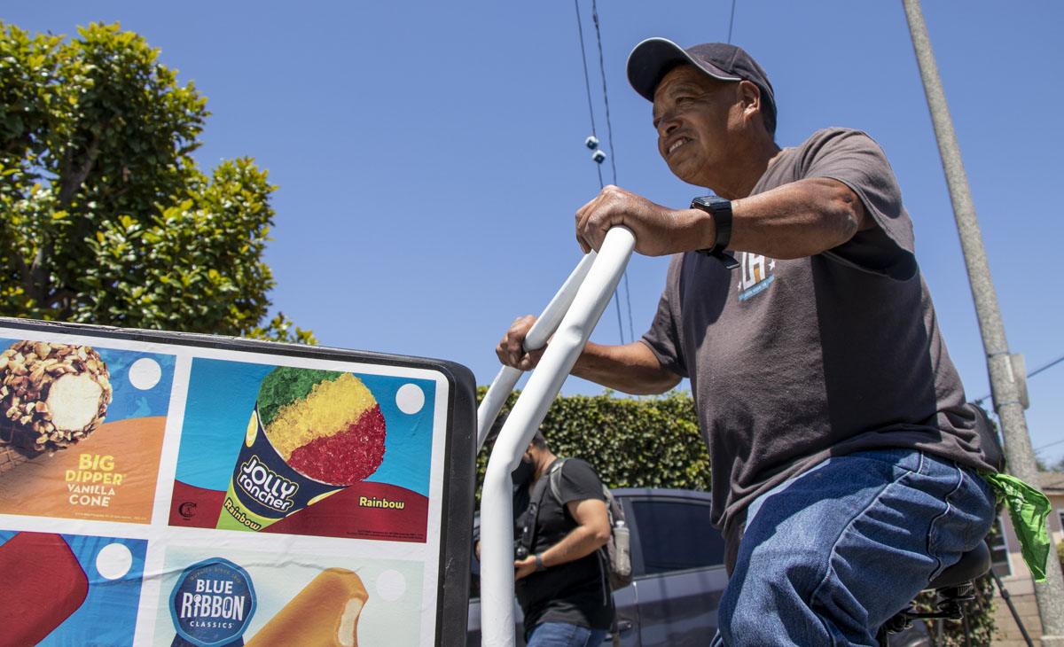 Robbed street vendor surprised with $10k and new cart in Long Beach