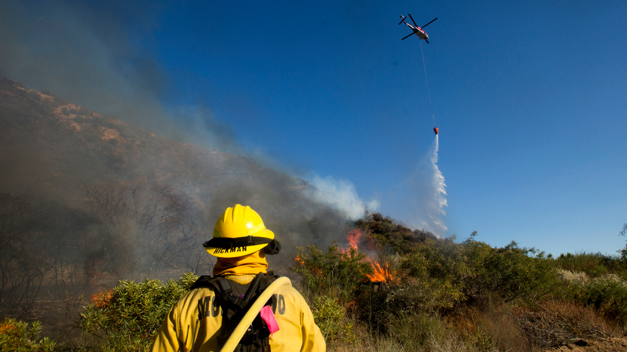 Some evacuations lifted as 42-square-mile Apple Fire burns San Bernardino Mountains for 5th day