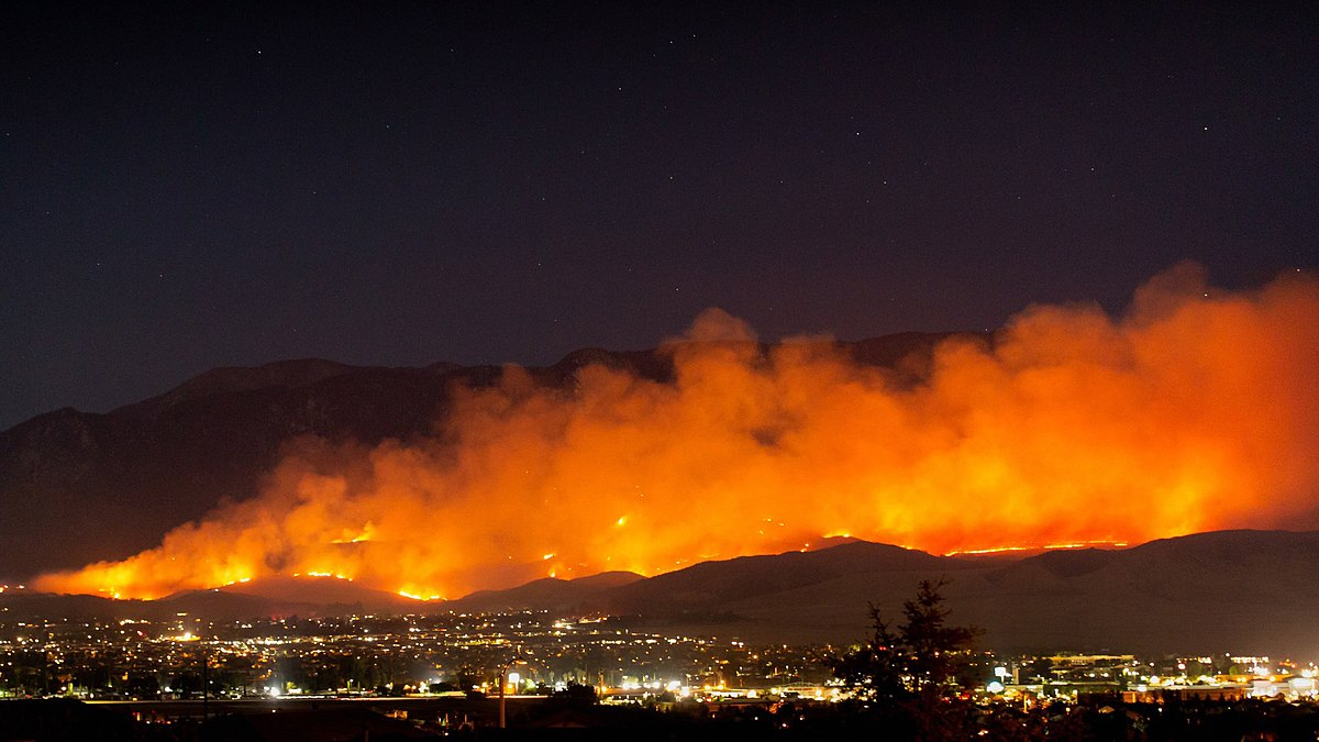 Zones under evacuation warning, order as blaze scorches Riverside County