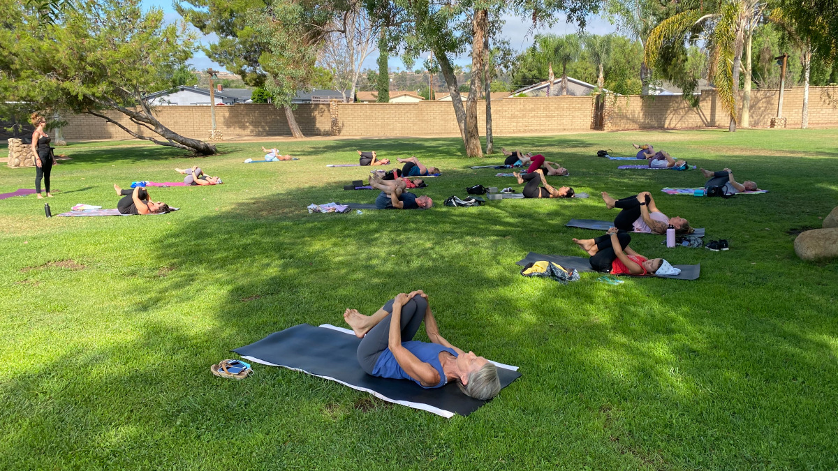 Prayer or Pilates: Mayor Signs Order to Allow Places of Worship, Gyms to Operate in City Parks