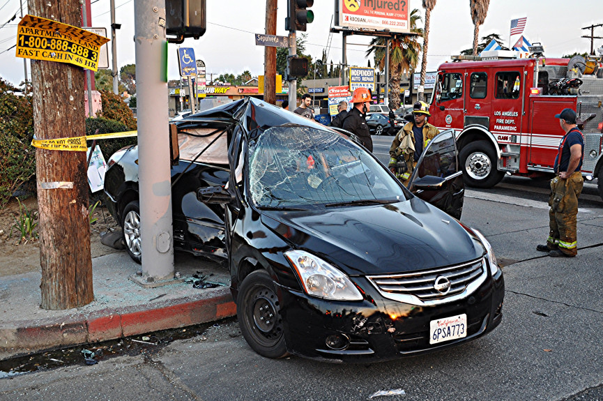 Van Nuys crash leaves one person critical