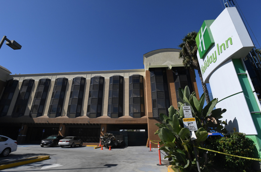 Holiday Inn in Central Long Beach to be bought by county, turned into 135 units for homeless