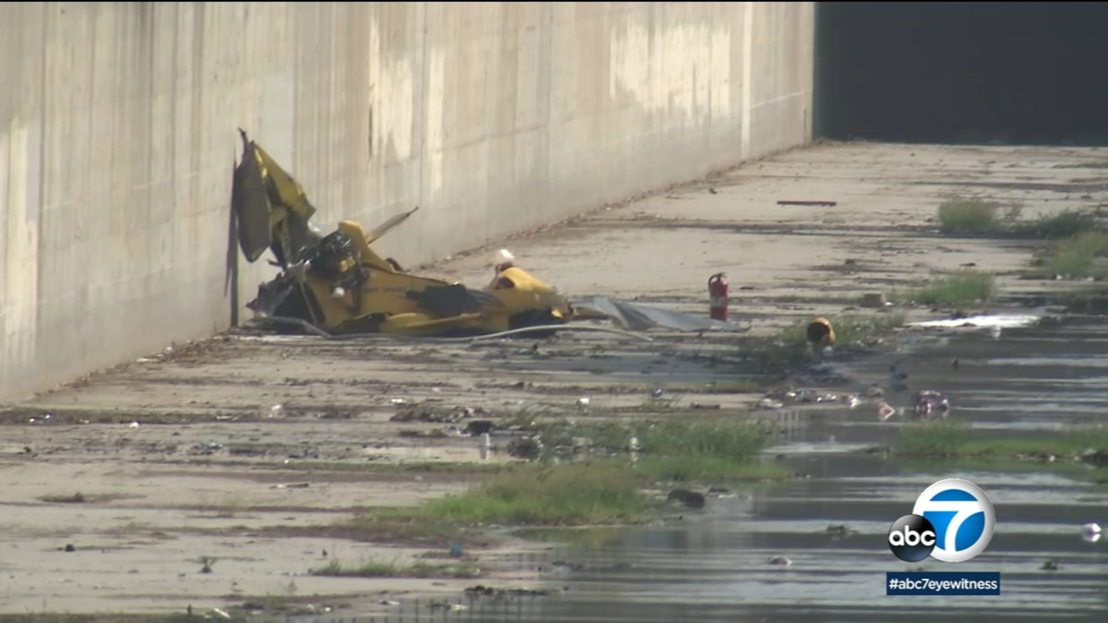 1 dead after ultralight plane crashes near Hawthorne airport
