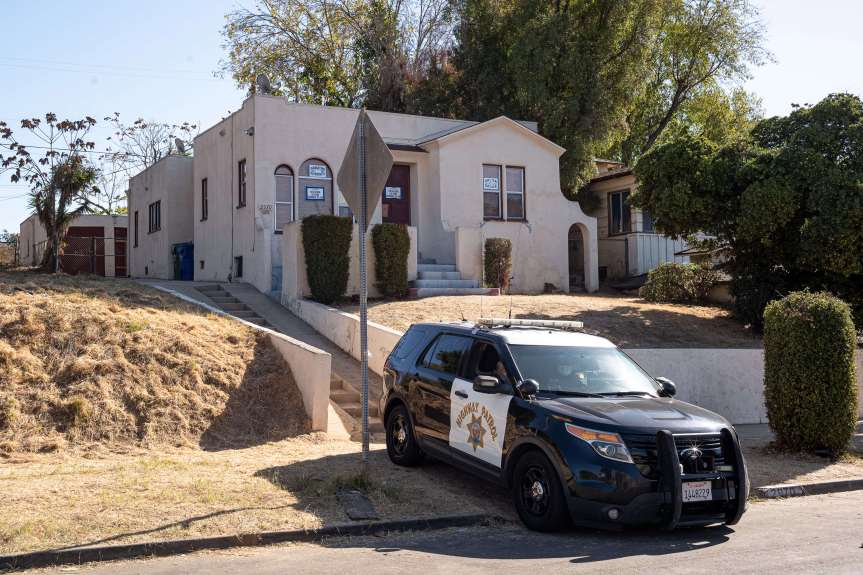 Families occupying Caltrans-owned homes in El Sereno forcibly removed by CHP