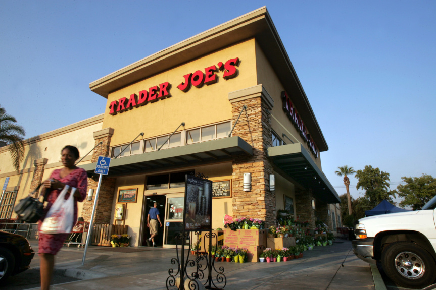 Trader Joe's reports 1,250 COVID-19 cases, 2 deaths in employees nationwide in 8-month period