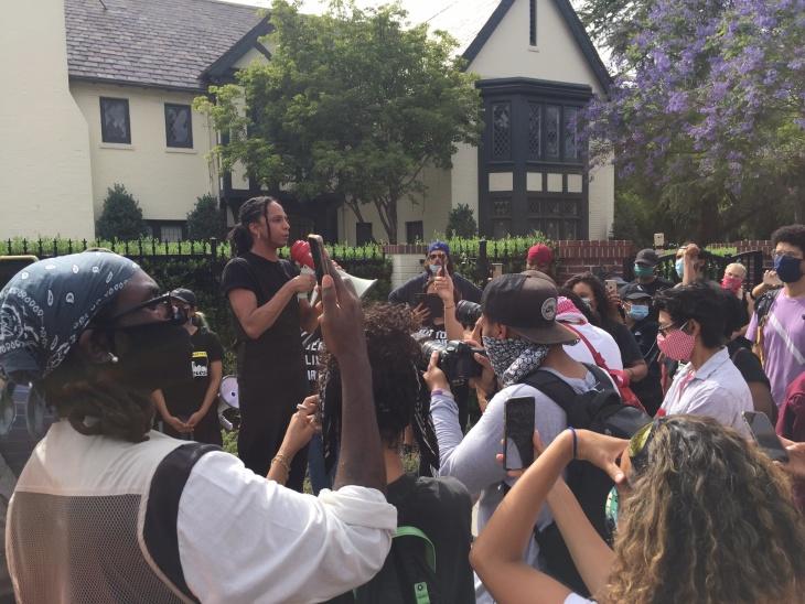 Police clash with demonstrators outside Mayor Garcetti's home