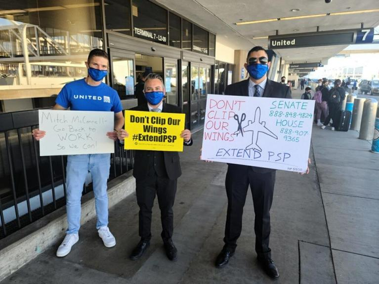 Flight attendants rally for COVID-19 relief package as stimulus talks continue
