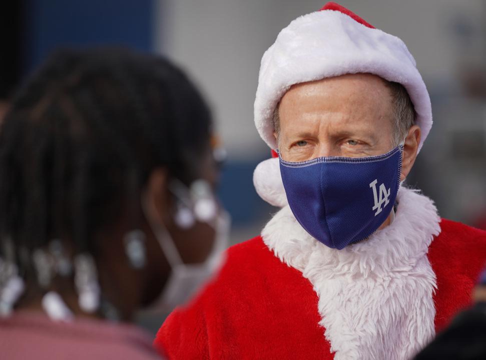 Superintendent plays Santa as LAUSD's mammoth Grab & Go food program rolls on through the holidays