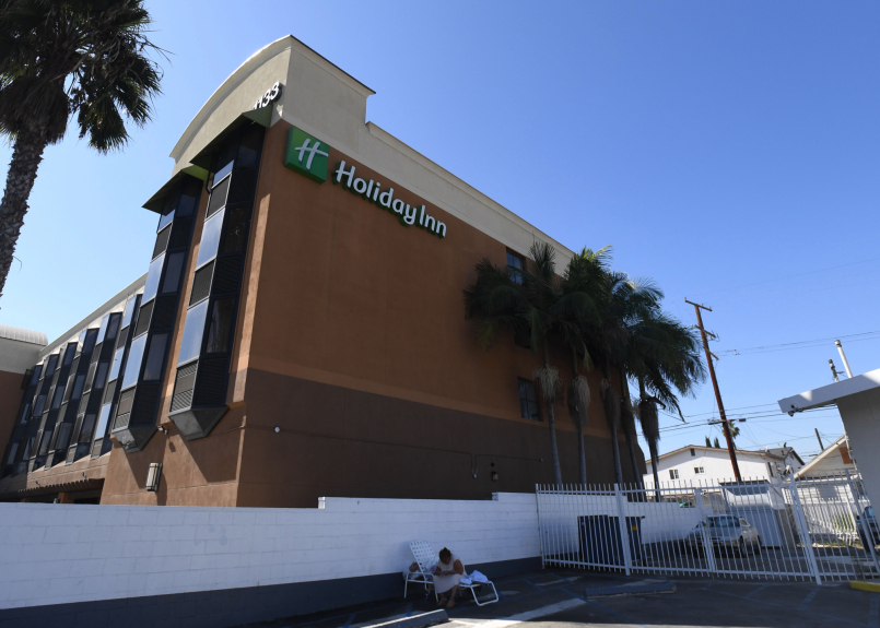 Expanding Project Roomkey to shelter homeless Angelenos 'unfeasible,' LA county officials say