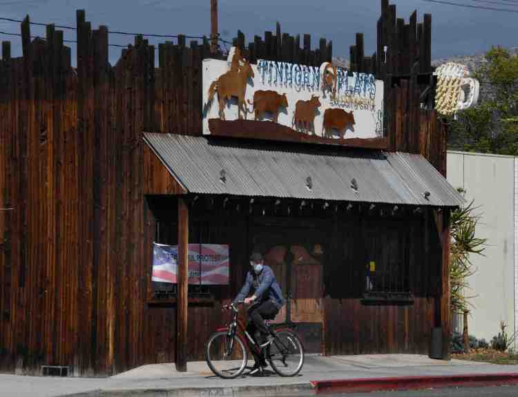 Judge sides with Burbank on closure of Tinhorn Flats bar over COVID violations