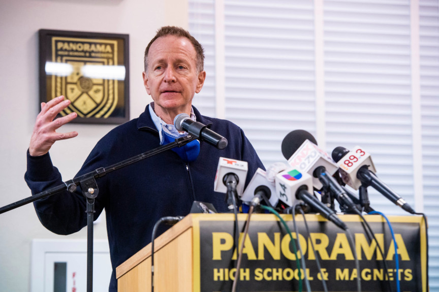 Beutner vows in-person graduations; survey indicates half of LAUSD parents OK with live classes