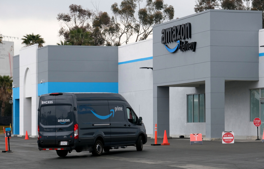 Airport-close warehouses command higher rents as online shopping booms