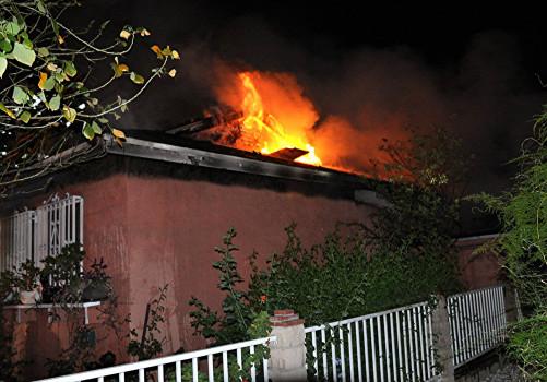 Crews attack 100-acre brush fire near Lancaster