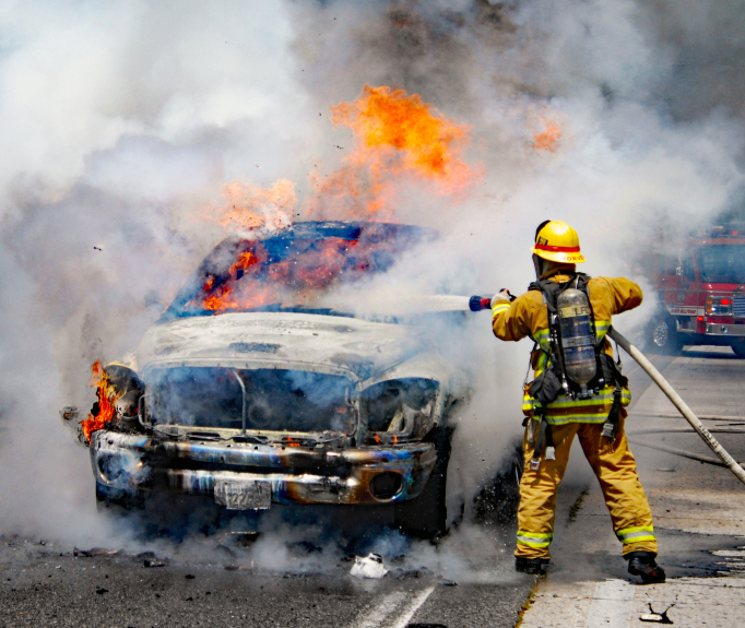 Fire engulfs pickup truck on 170 Freeway in North Hollywood