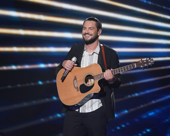 'American Idol' contestant Chayce Beckham advances to the Top 3, show finale
