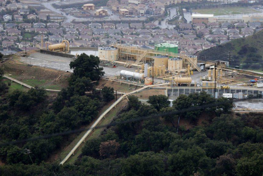 LA City Council urges state agencies, Gov. Newsom to shut down Aliso Canyon gas facility