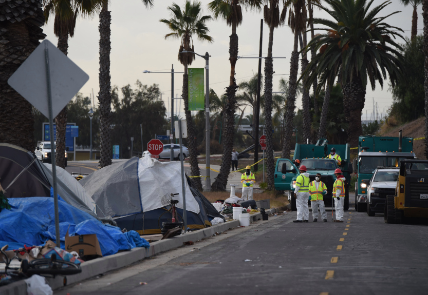 LA City Council seeks new law to prevent encampments in public right-of-way
