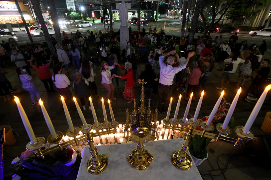 LA's St. Vincent de Paul Parish returns to indoor Mass after more than a year of closure