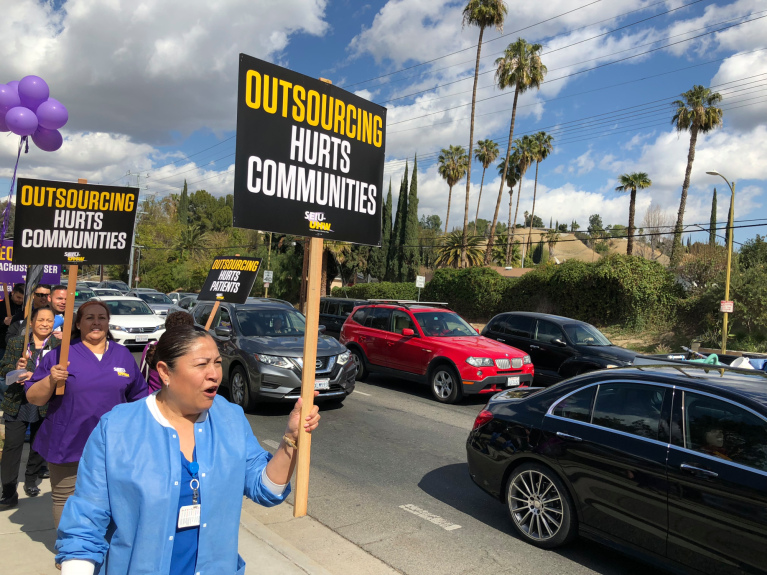 Kaiser workers in Woodland Hills to protest outsourcing of call center jobs
