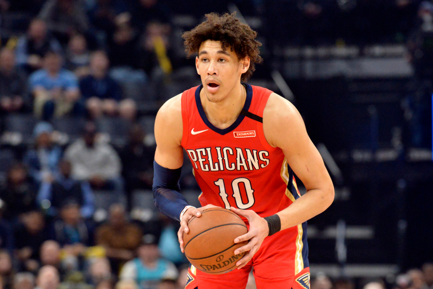 Video shows LAPD officer placing knee on neck of NBA player Jaxson Hayes in Woodland Hills arrest