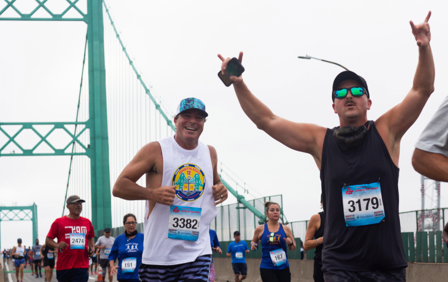 2,600 runners Conquer the Bridge in San Pedro as event returns to action