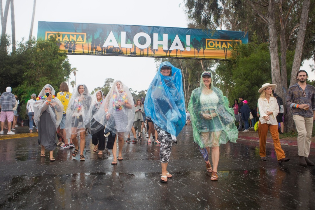 Ohana Festival restarts after rain delay with rousing sets by Eddie Vedder, My Morning Jacket and more