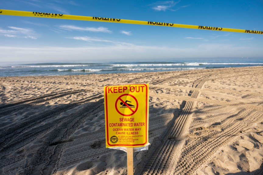 Disaster relief sought as major oil spill closes beaches, threatens wildlife; Huntington Beach air show is canceled